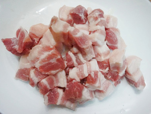 Thịt ba rọi cắt miếng vừa ăn