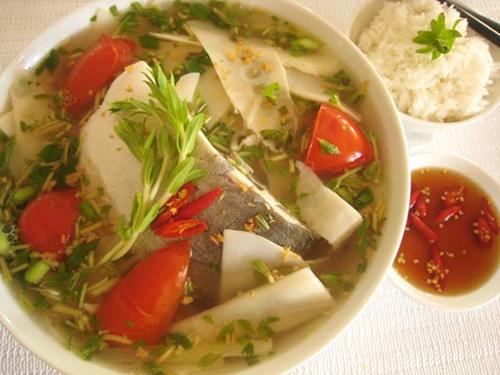 Măng chua nấu cá