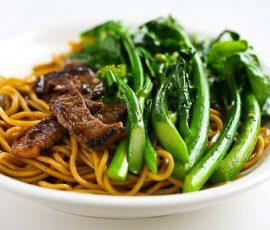 Mỳ bò xào rau cải ngon bổ dưỡng