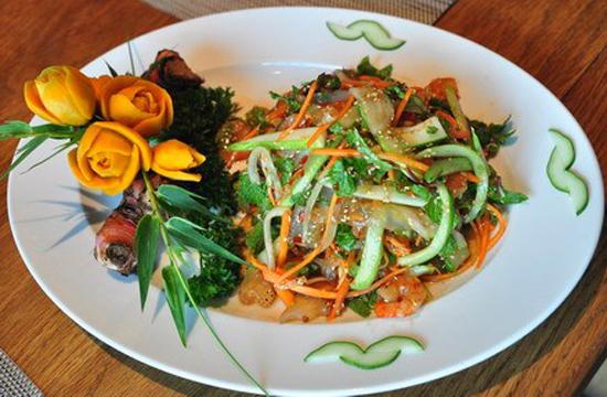 Salad sứa lạ miệng thanh mát giải nhiệt