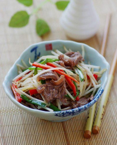 Thịt bò xào giá đơn giản dễ làm