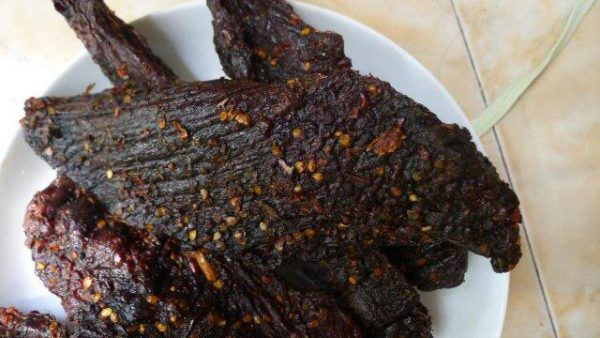 Thịt trâu gác bếp đặc sản nức tiếng của Sơn La