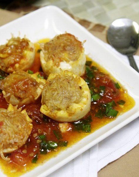 Trứng bọc thịt sốt cà chua lạ miệng ngon cơm