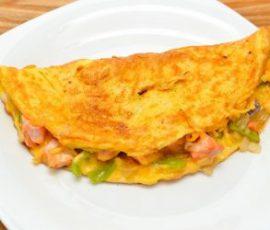 Trứng tráng cá hồi ngon bổ dưỡng