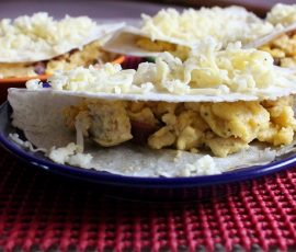 Món bánh trứng cay của Mexico