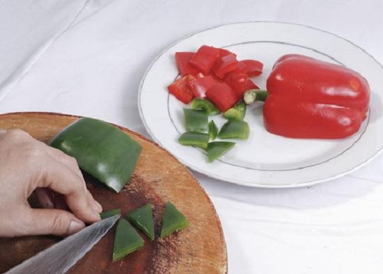Ớt đỏ, ớt xanh cắt miếng vuông