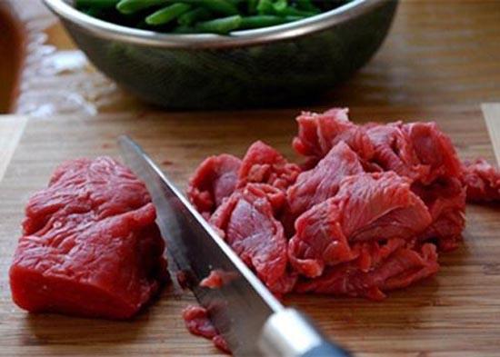 Thịt bò mua về thái lát mỏng