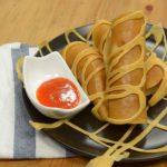 Bánh pancake cuộn xúc xích bò băm ngon miễn chê