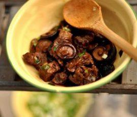 Món thịt bò hầm nấm đơn giản đậm đà