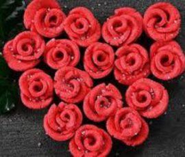 Món bánh hoa hồng đỏ cho ngày Valentine