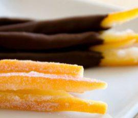 Món mứt vỏ cam nhúng socola mang vị ngon mới lạ