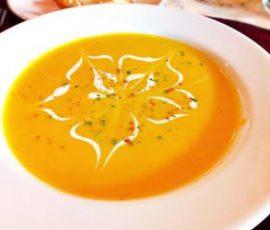 Món súp bí đỏ đơn giản ngay tại nhà