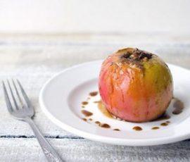 Món táo nhồi hồ đào nướng ngon tuyệt