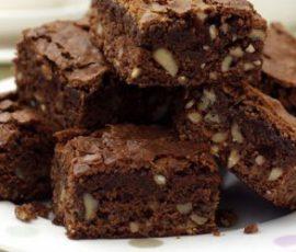 Món bánh Brownies hạnh nhân chocolate độc đáo