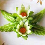 Tỉa hoa từ dưa chuột trang trí món ăn
