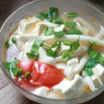 Món canh đậu nấu nấm hải sản