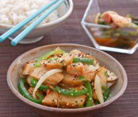 Món chả cá xào rau củ mới lạ cho bữa tối