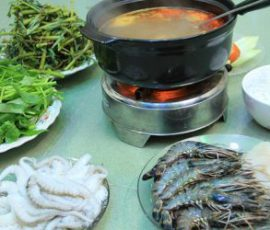 Món lẩu hải sản thập cẩm ngon tuyệt cho ngày mưa
