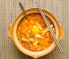Món canh kim chi cá ngừ Hàn Quốc siêu ngon