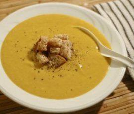 Món súp bí đỏ thịt gà ngon bổ dưỡng