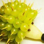 Cách tạo hình chú nhím từ trái cây độc đáo