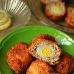 Trứng cút bọc thịt chiên xù ngon lạ miệng cho bé