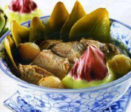 Món canh Atiso hầm chân giò ngon bổ dưỡng