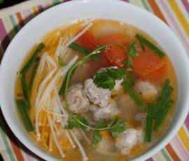 Món canh thịt viên nấu nấm cực dễ làm