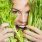 Bài thuốc chữa bệnh từ rau cần tây