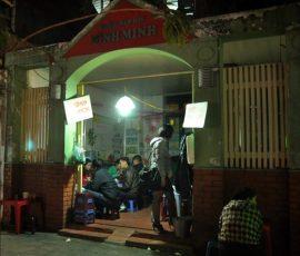 Quán bún chả ngan nướng phố Hàng Bông - Hà Nội