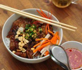 Bún thịt nướng tẩm mật ong ngon tuyệt phố Hoàng Quốc Việt
