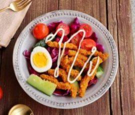 Món salad bò chiên vừa đẹp dáng mà ngon miệng