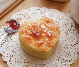 Món bánh Chiffon kẹp mứt ăn là nghiền
