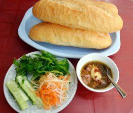 Món bánh mỳ chấm gợi nhớ Quy Nhơn