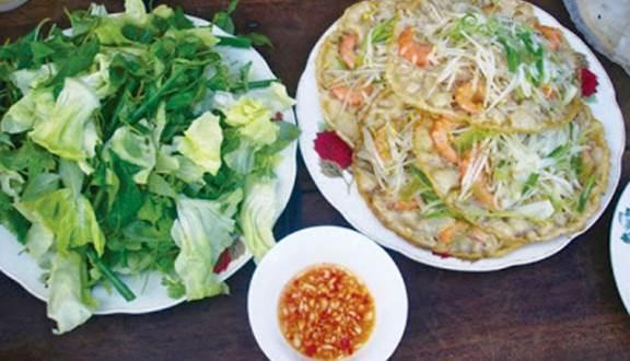 Món bánh xèo tôm nhảy bà Năm ngon nức tiếng Bình Định