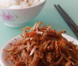 Món cá khô rim chua ngọt đưa cơm ngày mưa