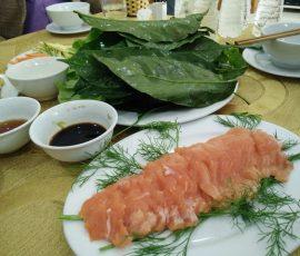 Gỏi cá hồi ăn kèm lá sa lăng - Đặc sản chỉ có ở Thanh Hóa