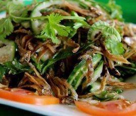 Món gỏi cà đắng cá cơm của người dân Buôn Ma Thuột