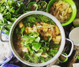 Món lẩu gà lá é hấp dẫn khách du lịch đến Đà Lạt
