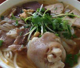 Món bún bò giò heo đặc biệt của xứ Quảng