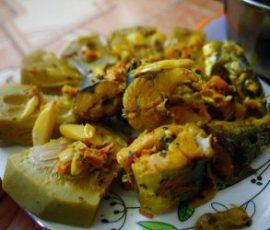 Món cá chuồn kho với mít non của người dân Quảng Nam