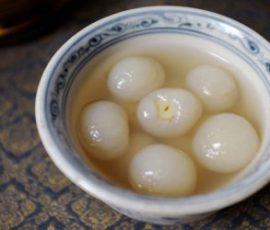 Món chè hạt sen long nhãn xứ Huế