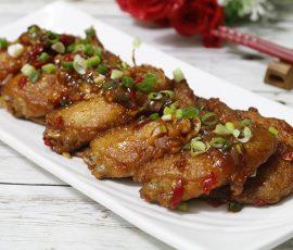 Món cánh gà sốt me kiểu Thái cay nồng vừa thơm vừa ngon
