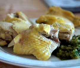 Luộc gà không cần nước mà vẫn mềm ngon ngọt thịt