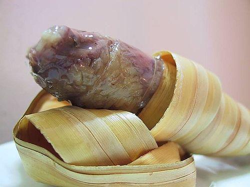 Thưởng thức bánh dừa Bến Tre