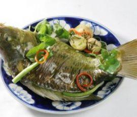 Món cá chép hấp ngải cứu bổ dưỡng mà cực đơn giản