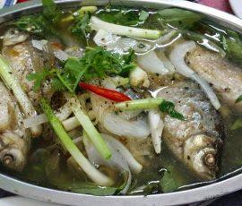 Món cá diếc hầm cho mẹ bầu thai nghén
