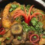 Món cá trắm kho chuối xanh đưa cơm ngày lạnh