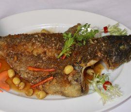 Món cá rán sốt hạt sen bổ dưỡng ngon cơm