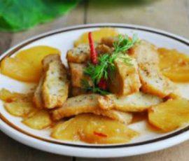 Món chả cá kho dứa đậm đà hương vị miền Trung